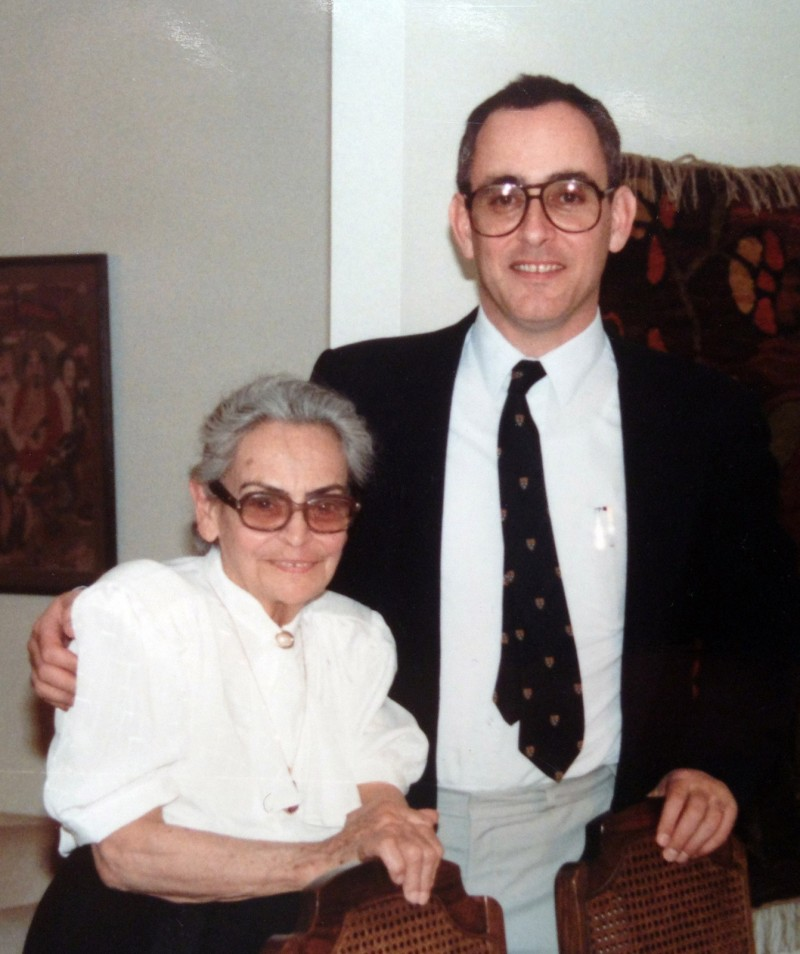 Amos Yahil with his mother, the historian Leni Yahil, née Westphal, in the late 1980s © Private collection.r 1980er Jahre, © Privatbesitz