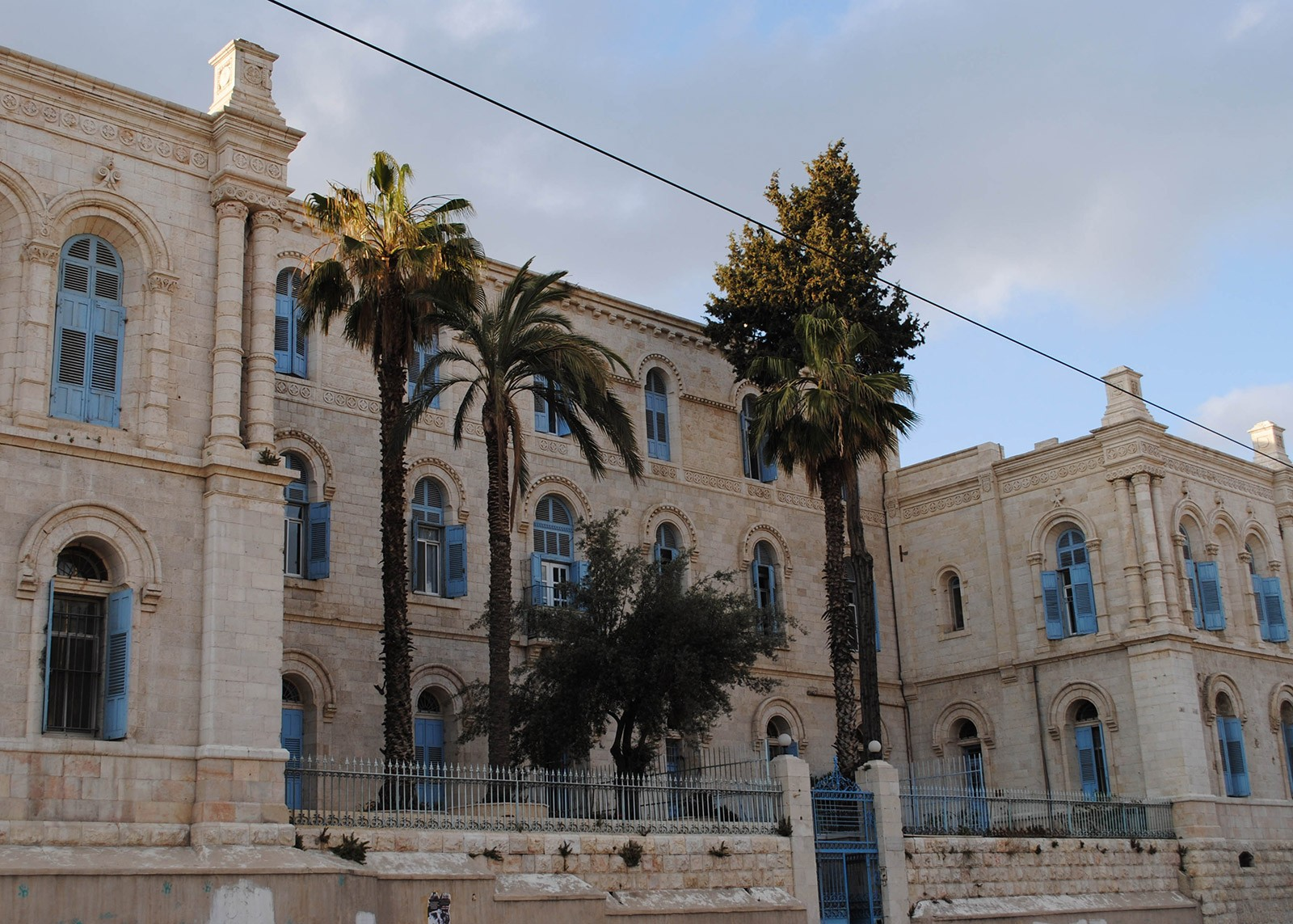 "Today's ""Saint Louis Hospital"" in Jerusalem is the successor institution to the ""St. Ludwig"" hospital which Arnold co-founded in October 1851 for patients of all religions and nationalities.  CC BY 2.0 / Photo: Paulina Zet, Vered Hasharon"